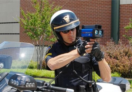 Police officer shooting Stalker Lidar LR